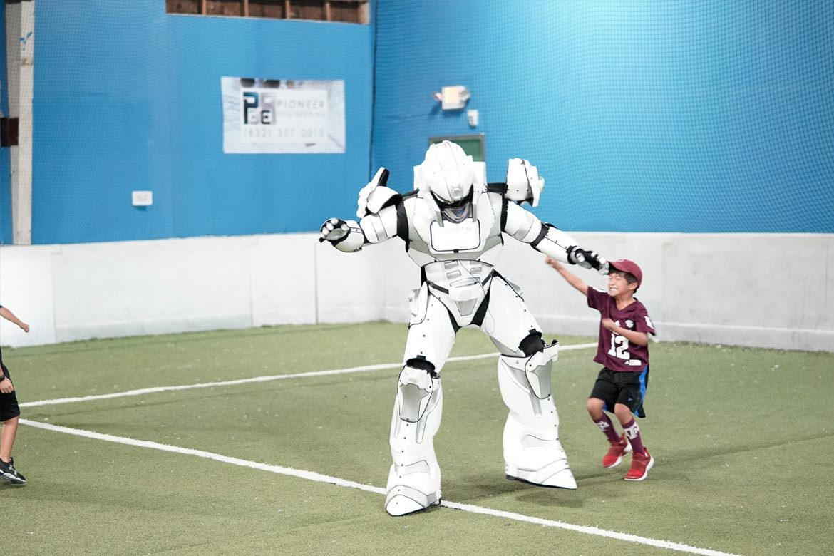 robots-extreme-houston-soccer-party-10