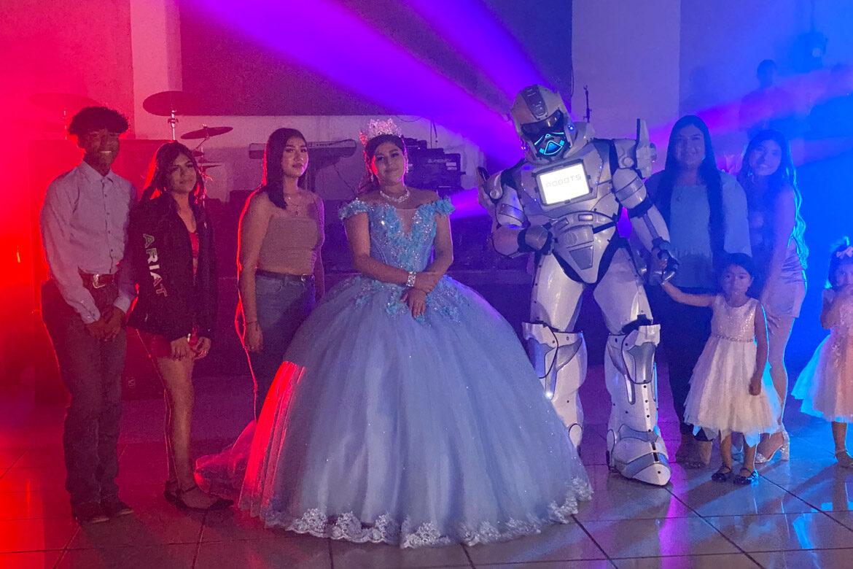 houston-robot-for-quinceanera2